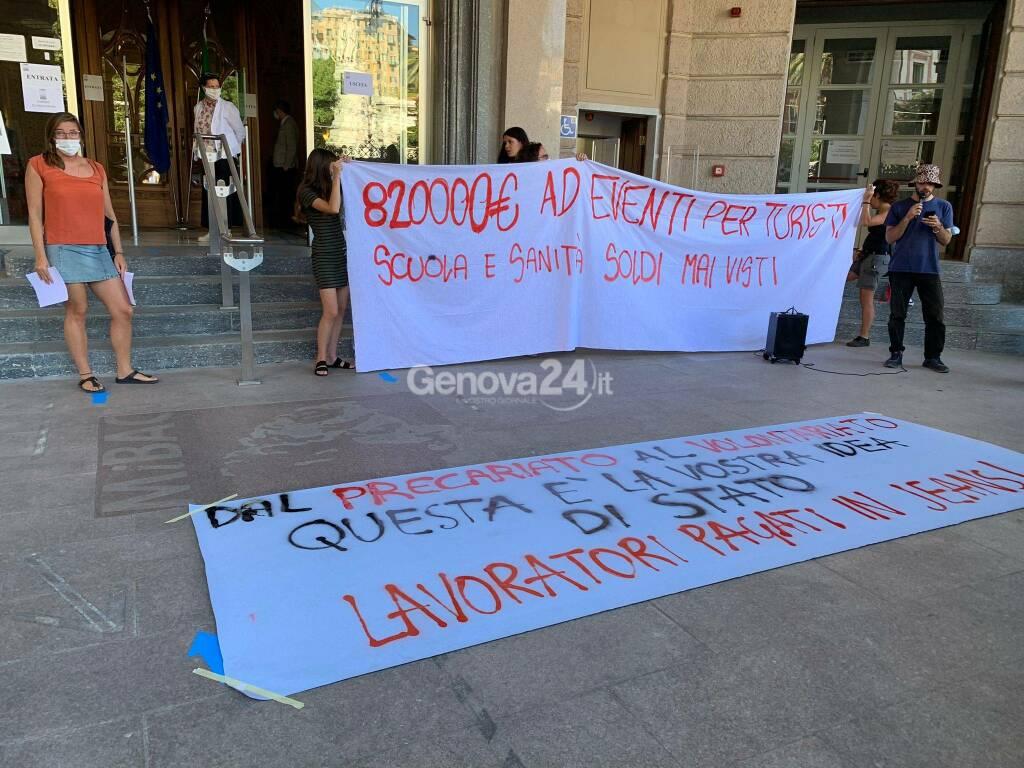 Genova Jeans, protesta davanti alla Biblioteca Universitaria