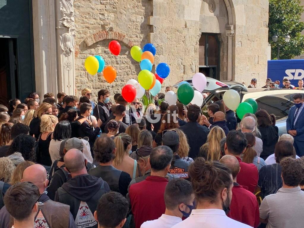 L'ultimo saluto a Fausto D'Agostino ad Albenga