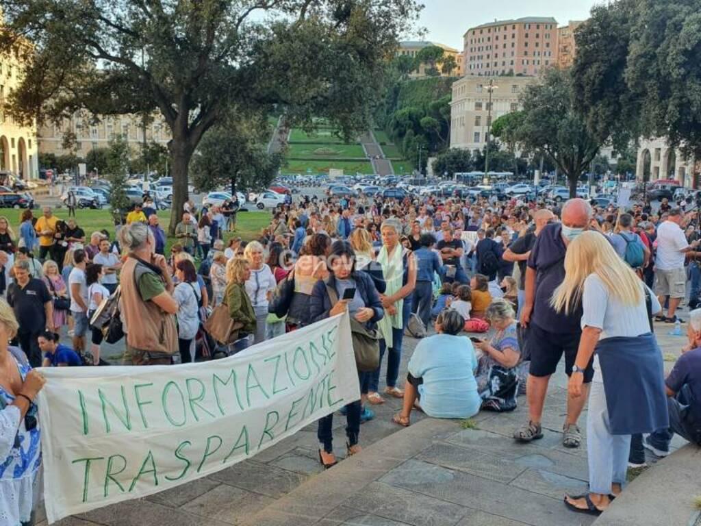 No green pass, manifestazione contro l'ordine dei medici