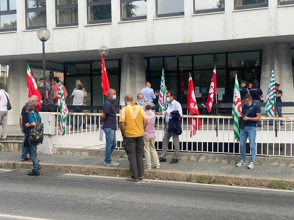 Nuovo presidio dei sindacati e dei lavoratori di Funivie a Savona