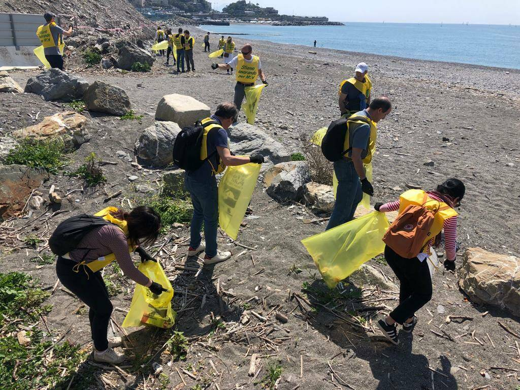 raccolta rifiuti spiaggia