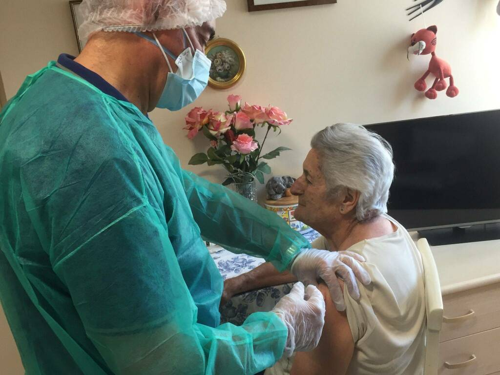Rita, 84 anni, terza dose vaccino