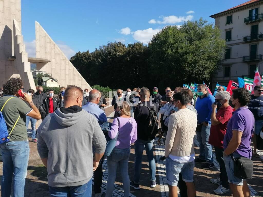Sciopero e corteo dei lavoratori Ata a Savona