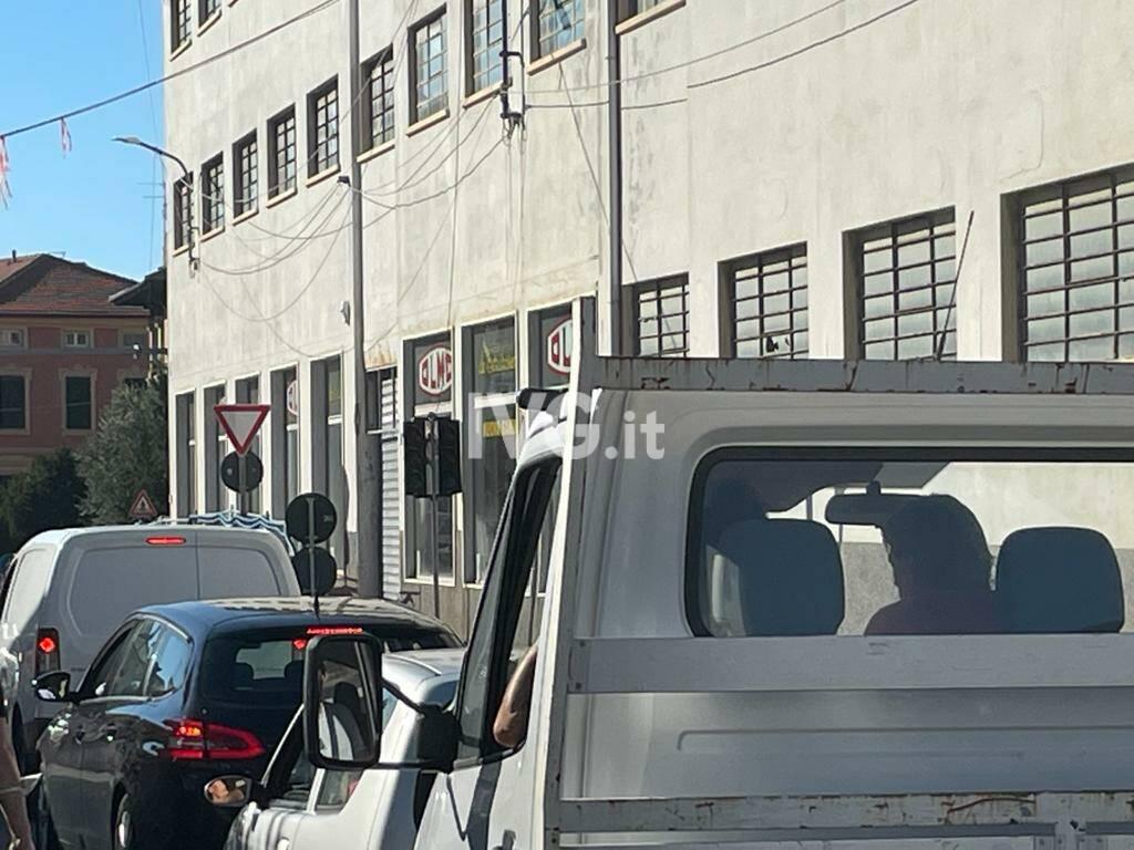 Traffico in tilt a Celle per il cantiere della fibra ottica