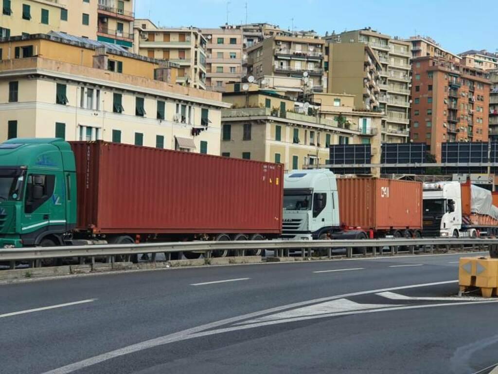 traffico tir camion bloccati san benigno