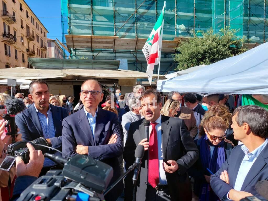 Il segretario del Pd Enrico Letta a Savona